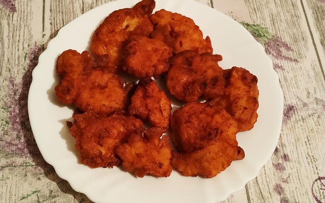 Csirkemell falatok fokhagymás-tejfölös bundában