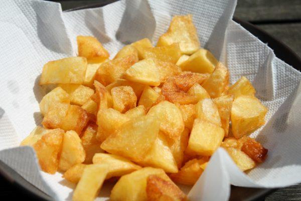 Egyszerű sült krumpli készítése 7